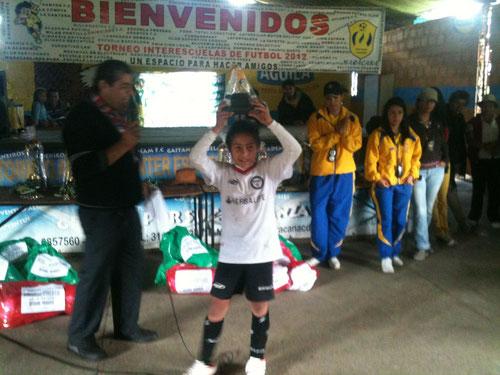 El delantero Harold Boada, recibe trofeo al mejor goleador del Torneo de Marcaná 2012, (categoría Pre-infantil.) 23 goles, superando por 10 goles al segundo en la tabla.