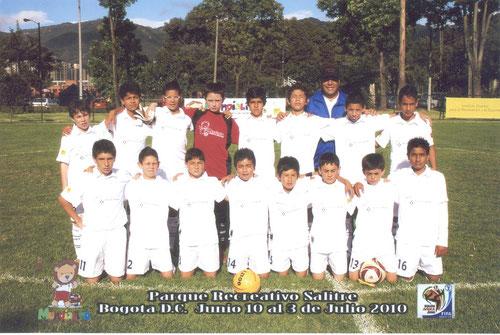 En el 2010 la Escuela de Futbol San Pablo, alcanzó las semifinales del Mundialito Sudafrica 2010 representando a la Selección de Inglaterra