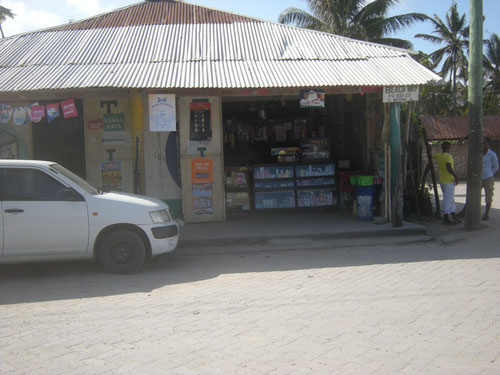 Francis Corner Shop, Watamu Beach Road, strada per Marijani Holiday Resort