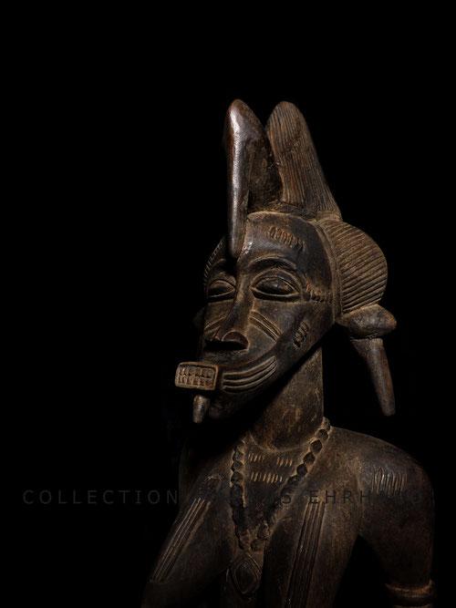 Tugubele statue Senufo art Senoufo statuette
