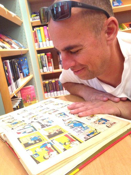 Ein Besuch in der Stadtbücherei macht besonders Till heute glücklich! :-))