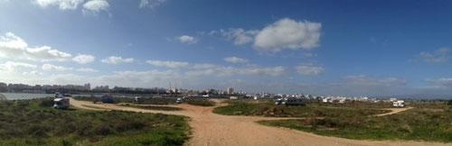 Ferragudo, Stellplatz am Hafen mit Blick auf Portimao