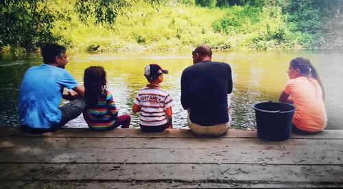 Kanufahrt mit unseren Kindern - ihre Neugier weckt auch unser Interesse (Trendelburg 2014)