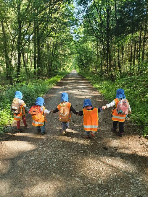 """Dienstags ist bei uns """"Waldtag"""" angesagt."""