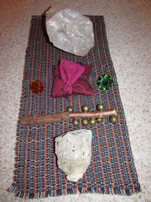 Kraftgegenstände im Zirkel-Kreis, sowie Instrument für die Spirits.
