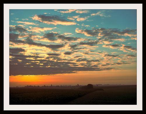 Au loin Léglantiers (Oise), photo de JPh