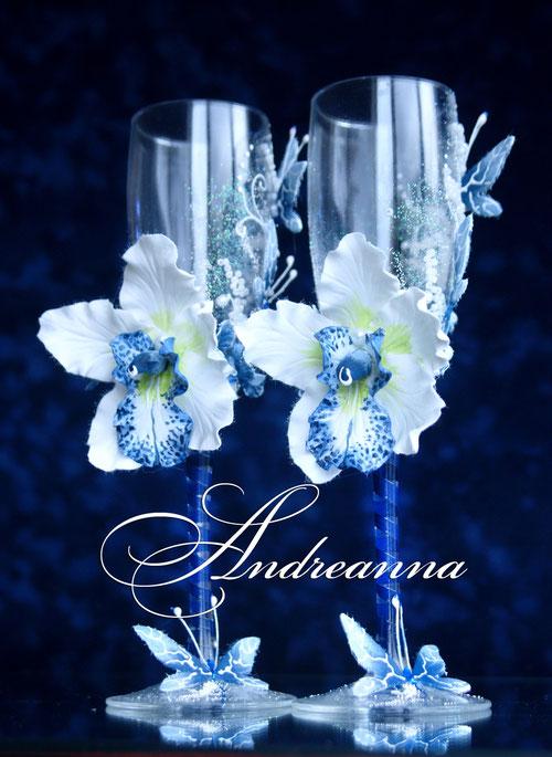 Бокалы «Темно-синяя орхидея Butterflies» Выполняются в любом цветовом решение. Стоимость 800 грн.
