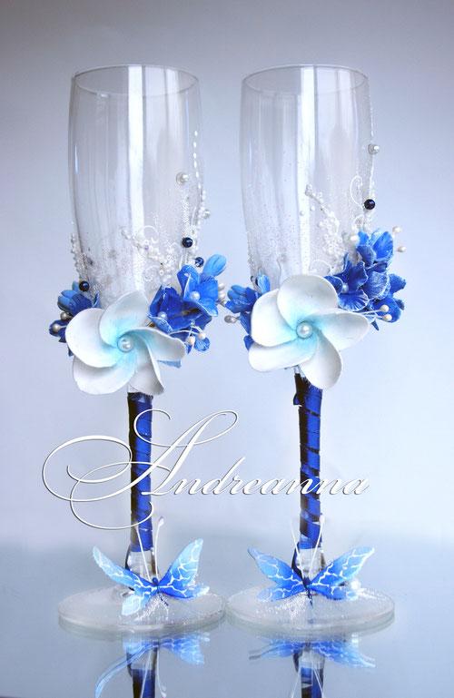 «Голубая плюмерия и синяя гортензия Butterflies» Выполняются в любом цветовом решение. Стоимость 800 грн.