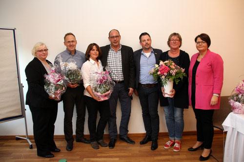 Der neu gewählte Landesvorstand mit Anja Tittes (rechts) und Manuel Klein (3. v rechts) vom Bundesvorstand als erste Gratulanten