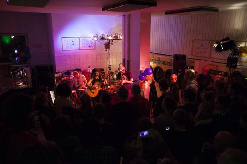 Abschlusskonzert: Klangrainer im Waschsalon, Foto: Patricia Schichl