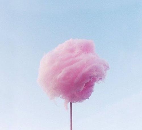 Zuckerwatte, blauer Himmel... all das macht mich glücklich & erinnert mich an meine tolle Kindheit