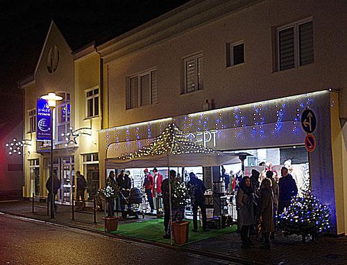 Am 22. Dezember hatten die Pfungstäder Geschäfte wieder zum Last-Minute-Shopping eingeladen. Krä-Foto