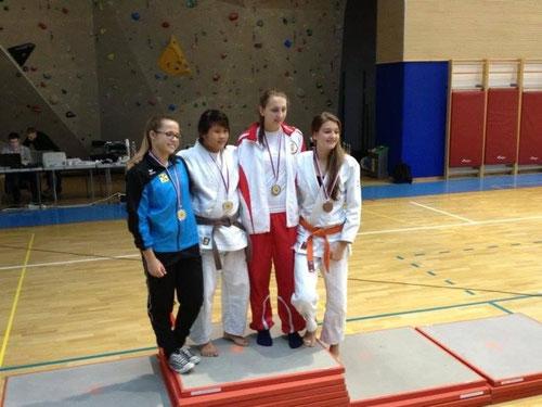Kristina Janisch und ihre Gegnerinnen bei der Siegerehrung