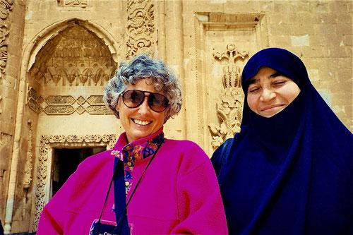 für das Photo schloss die streng gläubige Muslima ganz bewußt die Augen