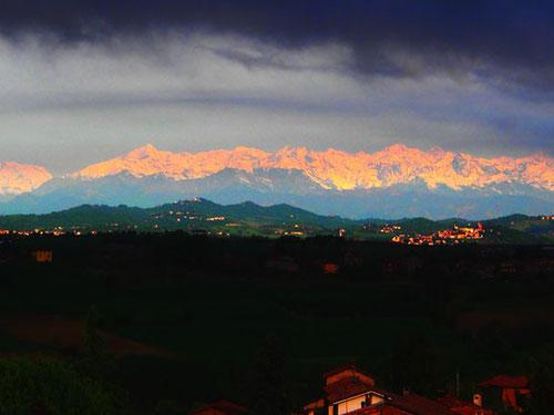 links der Mont Blanc - in der Mitte das Matterhorn - rechts die Julischen Alpen in Slowenienen