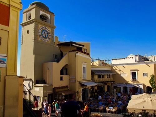 die weltberühmte Piazza von Capri