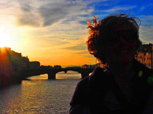 die Brücken, der Fluss und der Himmel, alles schien hier edel und klassisch zu sein