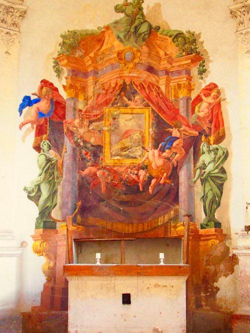 das Altarbild der Schloss-Kapelle fantastisch und leicht gemalt