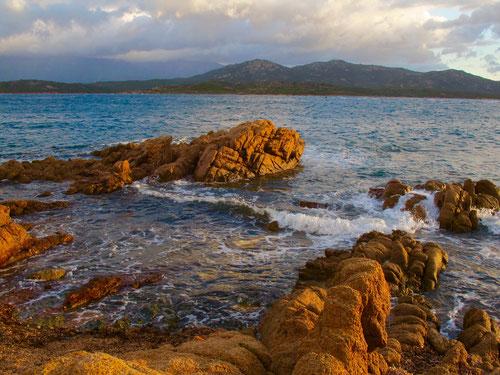 diese Felsen gaben dem Meer Struktur und Leben