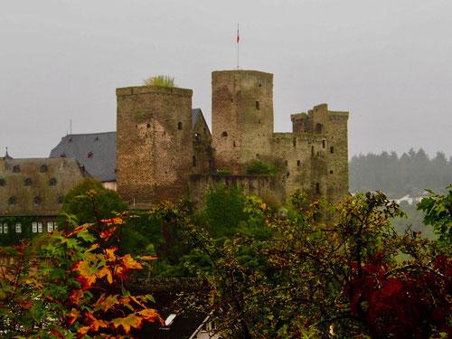 Burg Runkel aus dem 12. Jhd. an der Lahn