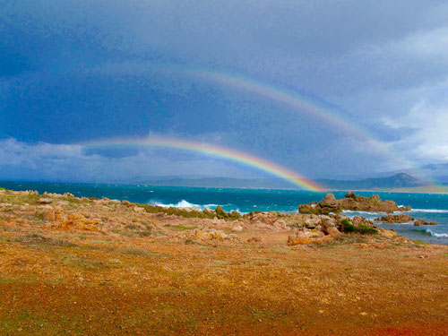 ein doppelter Regenbogen am Geburtstag, bringt doppeltes Glück
