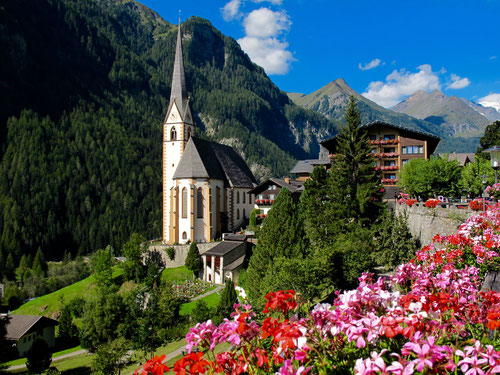 eines der meist gemalten Alpenmotive, die Kirche von Heiligenblut