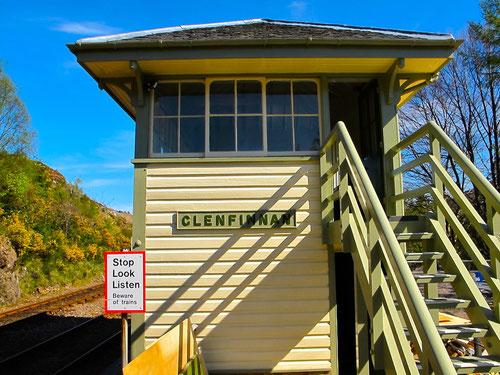 das passend renovierte Weichen-Häuschen von Glenfinnan