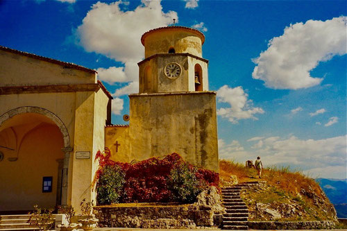 absolut stimmig die Proportionen der Basilika San Basilo