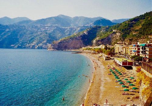 Blick auf den Strand von Positano