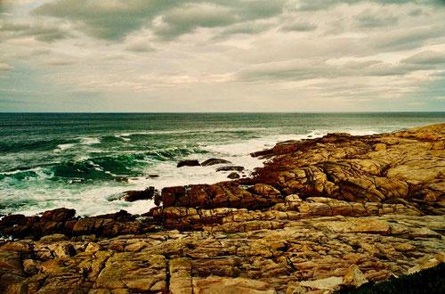 die Wellen der Biskaya sind lang und bis zu 3 m hoch
