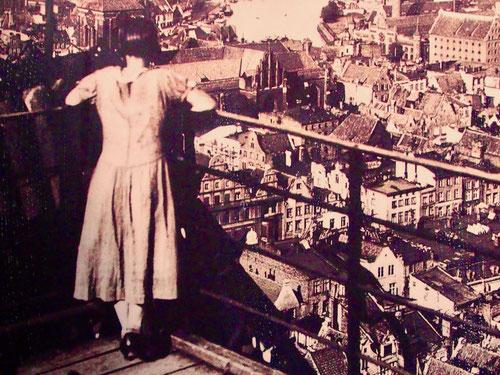 in den 30-iger Jahren ein Blick hinunter auf die Danziger Altstadt