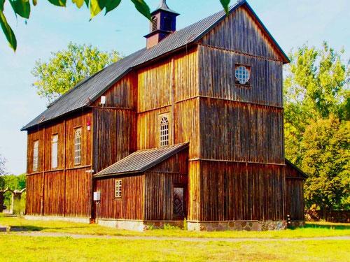 ein gut erhaltene Stab-Holzkirche aus dem 18. Jhd.