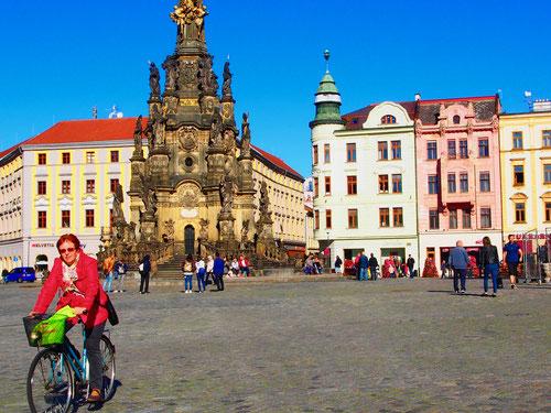 der Marien-Platz in Olmütz mit der Dreifaltigkeits-Säule