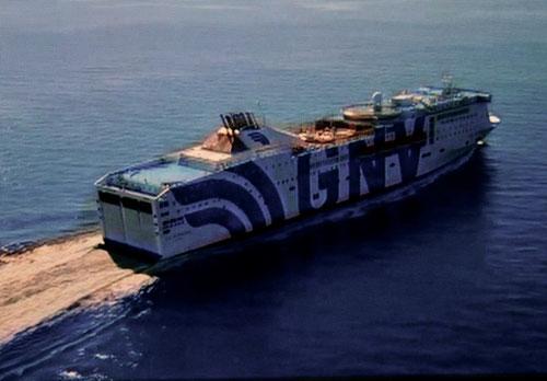 das Luxus-Fährschiff Janos von der Reederei Grimaldi