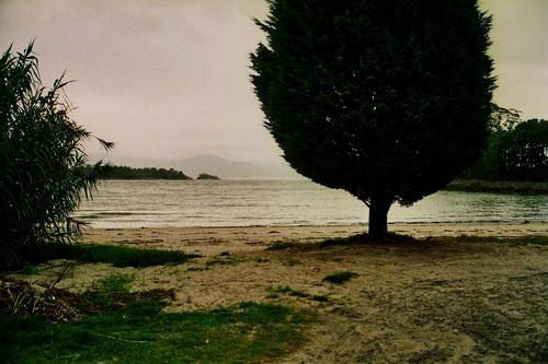schmucklos aber beeindruckend war in Finisterra unser Stellplatz am Strand