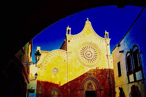 die prächtige Fassade der Kathedrale von Ostuni