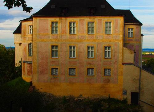 stimmige Fassade in Farbe und Stil