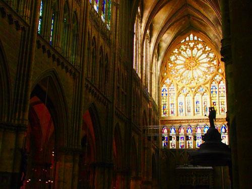 das 41 m hohe Kirchen-Gewölbe, einzigarig in seiner harmonsichen Gestaltung