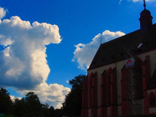 die Klausener Pfarr- und Wallfahrtskirche Maria Heimsuchung