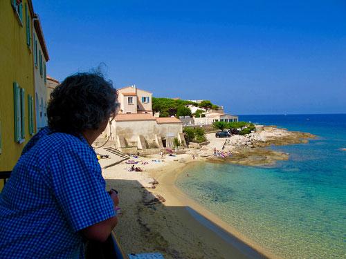 Aussicht auf die kleine, malerische Hotel-Bucht