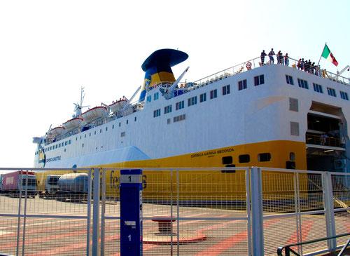 Gegen 12:00 Uhr Mittag erreichten wir den korsischen Hafen von Bastia