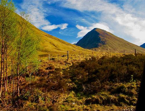 die harmonsiche Kegel-Pyramide des Ben Lochmond