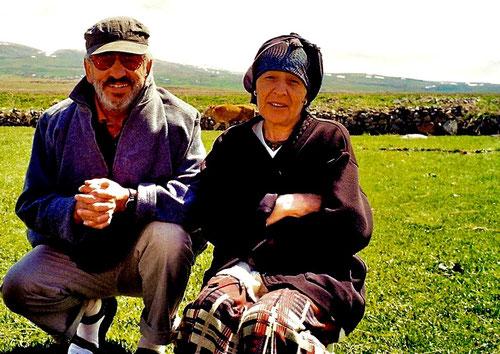 Claus und Illja posieren für ein Photo