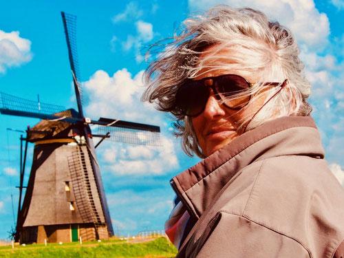 permanent trieb der Wind die Wasser abpumpenden Windmühlen an