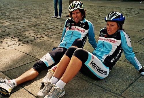 ein sportliches Paar aus Italien - überglücklich über diese Tour
