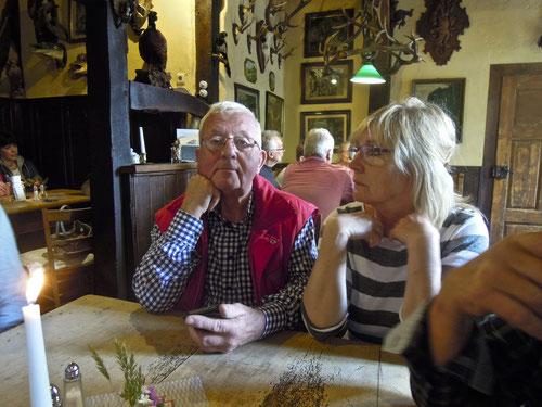In Anröchte dauert es keine 12 Sekunden bis die Suppe kommt: Rita & Hans in Suppenerwartung!
