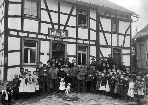 """Ein """"älterer Herr konnte helfen: Es war das Gasthaus Pfahl"""