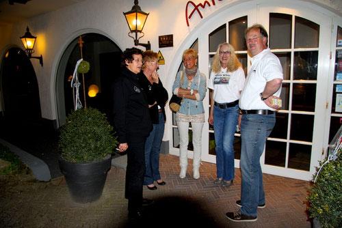 Immer die Gleichen!!!! Michael natürlich mit 4 Damen!!