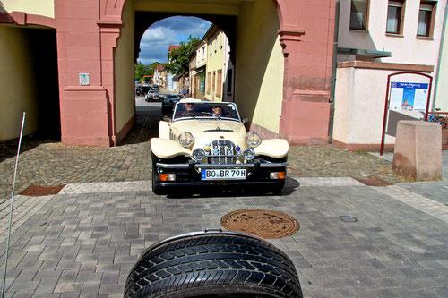 Kreuz & quer durch die Pfalz!Hoch auf dem beigen Wagen...sitz ich beim Bernd vorn!