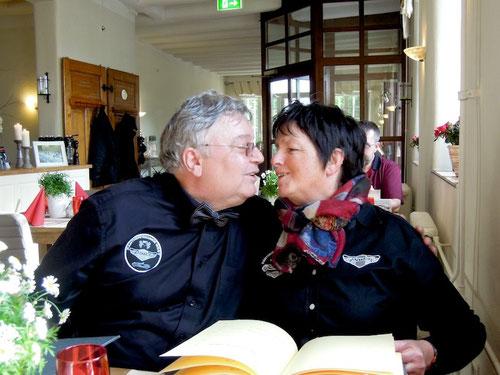 Barbara & Markus hatten einen rein geschäftlichen (oder heisst es geschlechtlichen)Termin in der Nähe von MG und kurzerhand wurde diese kleine Pantherausfahrt realisiert!